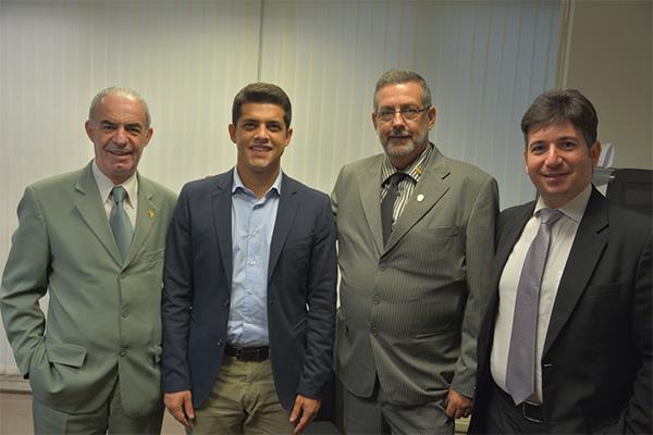 Presidente do SIPESP é recebido por deputado
